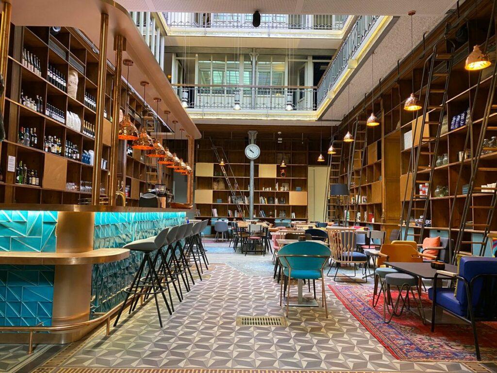 Paris Opera un espace modulable dans un bel ensemble haussmannien de 800 m2