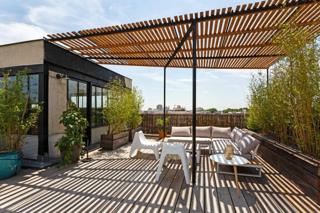 Immensse terrasse ensoleillée avec vue 360° sur Montreuil et Paris