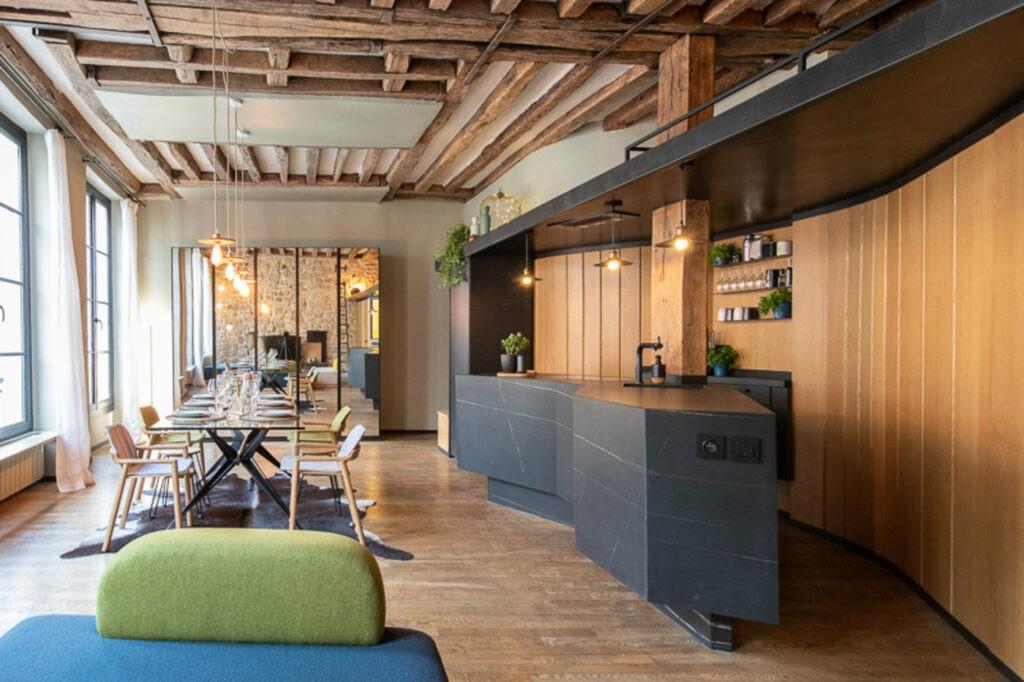 L'appartement boisé de Maina à Montorgeuil