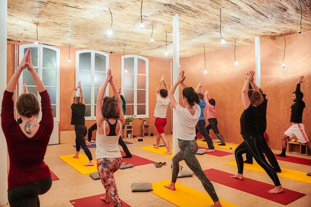 Atelier de yoga dans lieu atypique