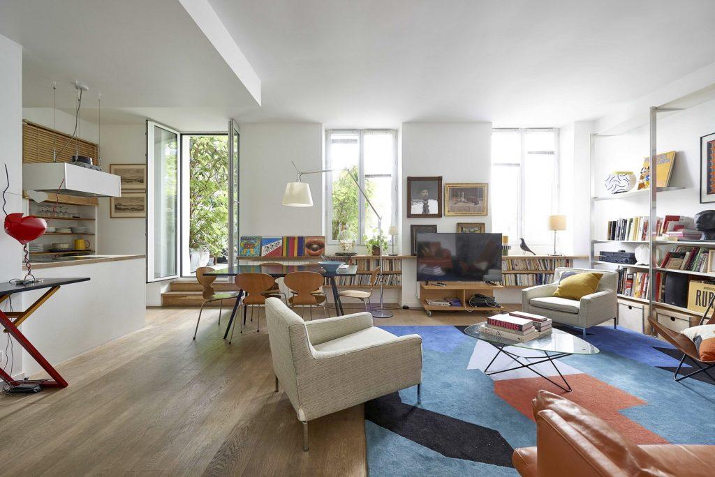 L'appartement de Cécile à Paris. Un espace végétalisé et à la décoration scandinave accompagné d'une jolie terrasse.