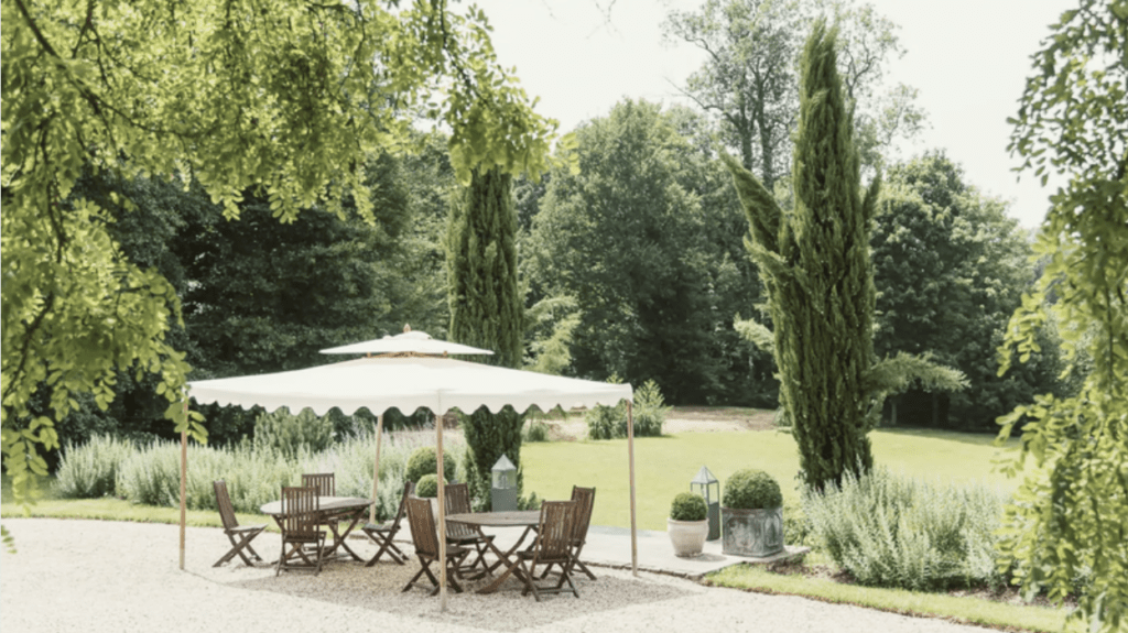 jardin du petit château à Orgeval