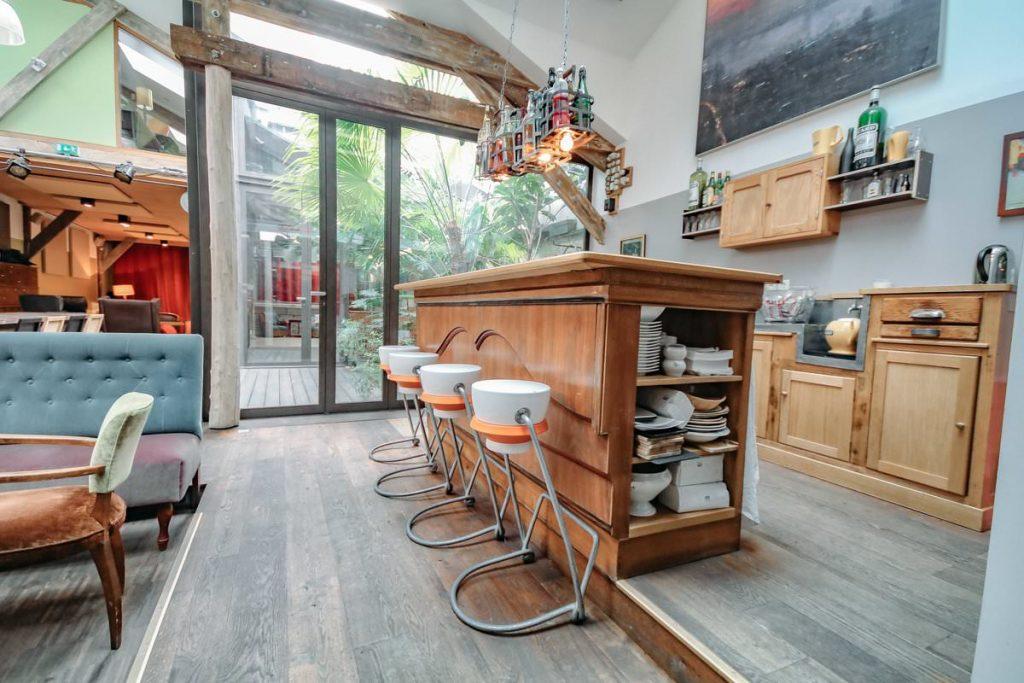 Le loft vintage aux beaux volumes de Stéphanie, vous accueille pour vos réunions à la Défense