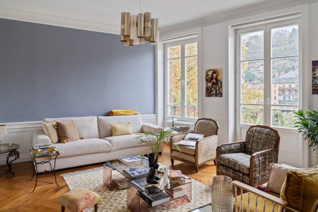 Chez Elsa. Cet appartement situé à Lyon est un must pour cette rentrée 2021. De beaux volumes, une luminosité sans pareille et une décoration à la pointe des tendances !