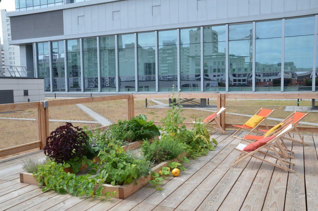 Magnifique halle abritée de 200m2, entouré de verdure pour une réunion dépaysante à Paris