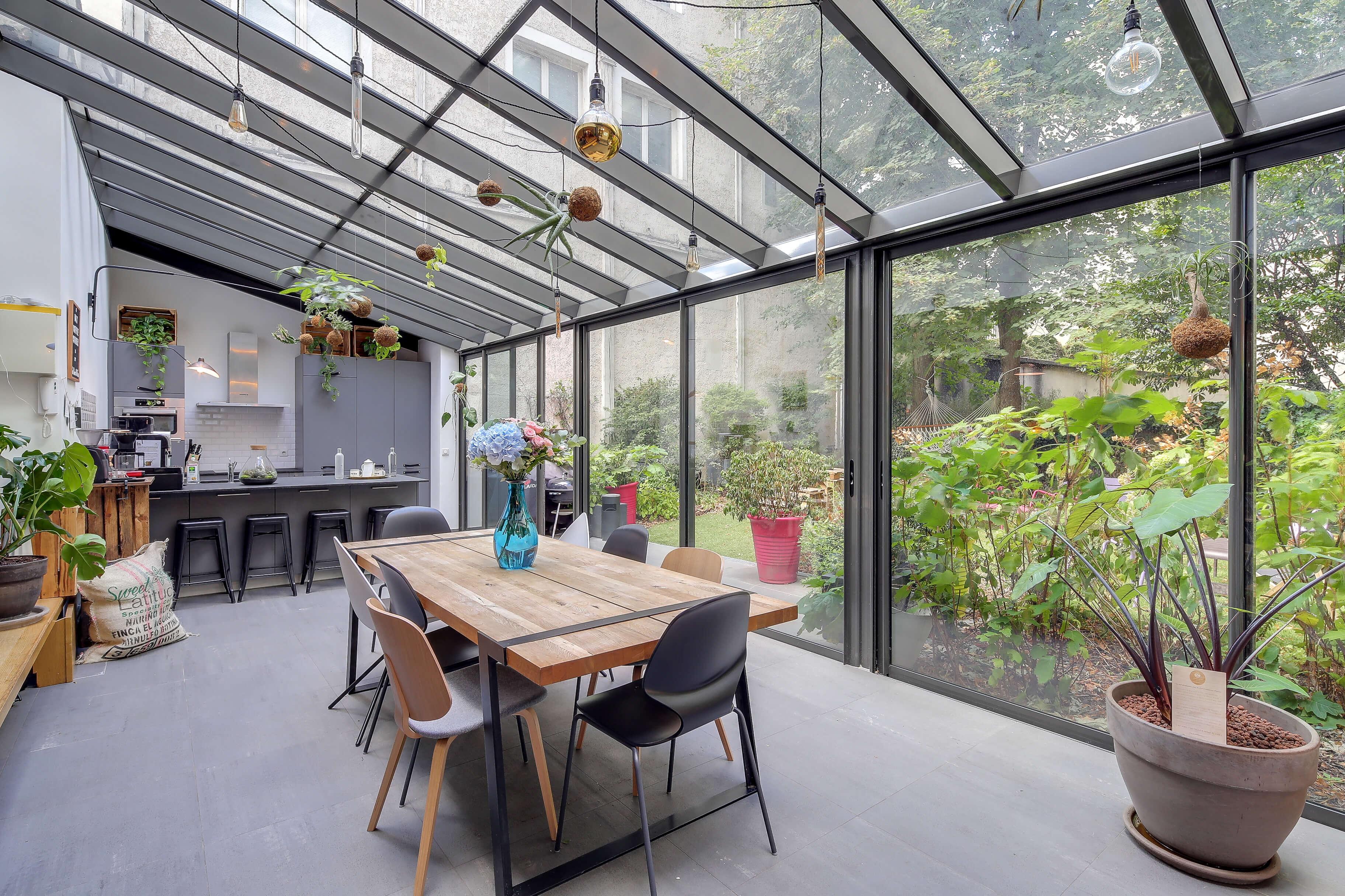 Grande maison moderne et atypique dans le 10ème arrondissement de Paris